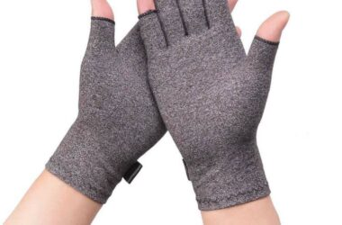 How Compression Gloves Can Help Arthritis Patients